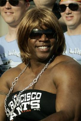 Barry Bonds in drag